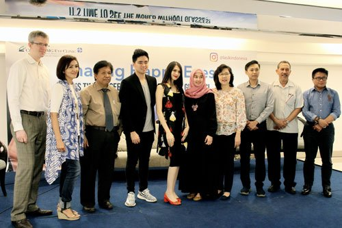 Group Photo with Kevin Hendrawan